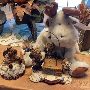Boyd's Bears set of 3, music 🎶 box resin pieces and plush